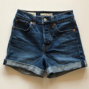 Levi's Cuffed Wedgie Shorts